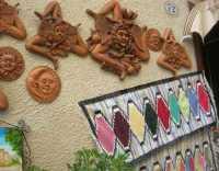 Tappeti dell'artigianato locale e souvenirs - 22 maggio 2009  - Erice (2502 clic)