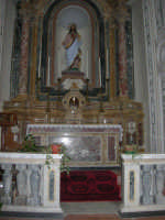 interno Chiesa Madre, dedicata a S. Nicolò di Bari - 23 aprile 2006   - Chiusa sclafani (1507 clic)