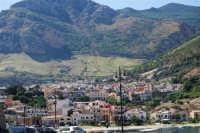 il paese visto dal porto - 2 ottobre 2007  - Castellammare del golfo (652 clic)