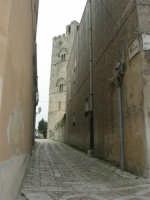 il campanile in fondo alla via - 1 maggio 2009   - Erice (2060 clic)