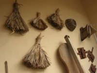 C/da Bosco Falconeria - Baglio Carta - in mostra oggetti che testimoniano le usanze del passato - 7 dicembre 2008  - Balestrate (1498 clic)