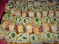 antipasti di pasta sfoglia - 5 maggio 2008  - Alcamo (13288 clic)