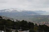 neve sul monte Bonifato e sui monti di Castellammare - panorama sul golfo sino a Capo San Vito - 15 febbraio 2009   - Alcamo (2829 clic)