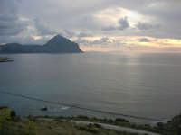 Macari - Golfo del Cofano al tramonto - 19 aprile 2009  - San vito lo capo (1836 clic)