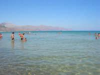 mare calmo e trasparente - 13 agosto 2008  - Alcamo marina (876 clic)