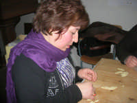 Cene di San Giuseppe - lavorazione del pane - 15 marzo 2009   - Salemi (2841 clic)