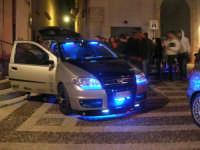 Piazzetta Vespri - raduno di auto . . . particolari - 3 maggio 2009   - Alcamo (3331 clic)