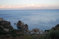 Torri di avvistamento, faraglioni e tonnara - 19 settembre 2007  - Scopello (777 clic)