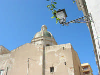 la cupola della Chiesa del Purgatorio, sede dei gruppi dei Misteri - 6 settembre 2007  - Trapani (909 clic)