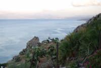 uno sguardo sul golfo di Castellammare - 19 settembre 2007  - Scopello (1093 clic)