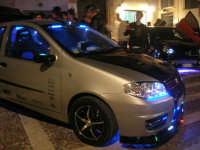 Piazzetta Vespri - raduno di auto . . . particolari - 3 maggio 2009   - Alcamo (2653 clic)