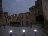 visita al centro storico - Piazza Cavour, atmosfera natalizia - 9 dicembre 2007  - Castelvetrano (824 clic)