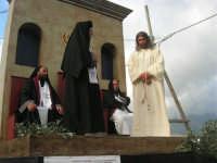 Processione della Via Crucis con gruppi statuari viventi - 5 aprile 2009   - Buseto palizzolo (1586 clic)