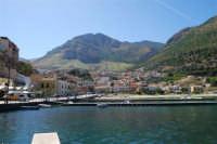 il paese visto dal porto - 2 ottobre 2007  - Castellammare del golfo (594 clic)