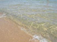 zona Tonnara - mare calmo e trasparente - 13 agosto 2008  - Alcamo marina (788 clic)