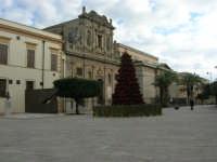 visita al centro storico - piazza Carlo d'Aragona e Tagliavia - Chiesa del Purgatorio e Teatro Selinus - 6 gennaio 2009   - Castelvetrano (4047 clic)