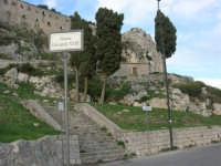 Eremo S. Pellegrino - Piazza Giovanni XXIII - 9 novembre 2008   - Caltabellotta (1768 clic)
