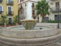 P.zza Europa - fontana - 11 ottobre 2009  - Castellammare del golfo (948 clic)