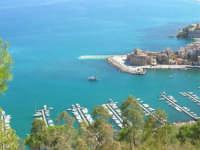 il porto ed il Castello - 2 ottobre 2007  - Castellammare del golfo (601 clic)