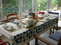 Casarsa della Delizia (PN) - la colazione è servita al Bed & Breakfast THE COTTAGE - 23 agosto 2006  - Alcamo (1626 clic)