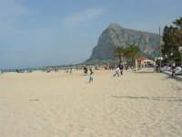 la spiaggia: prove d'estate!  - 25 aprile 2006   - San vito lo capo (1259 clic)