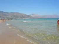 zona Tonnara - mare calmo e trasparente - 13 agosto 2008  - Alcamo marina (727 clic)