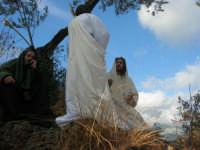 Processione della Via Crucis con gruppi statuari viventi - 5 aprile 2009   - Buseto palizzolo (1489 clic)