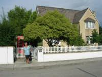 Casarsa della Delizia (PN) - una graziosa (e molto accogliente) villa in stile inglese: il Bed & Breakfast THE COTTAGE - 23 agosto 2006   - Alcamo (1820 clic)