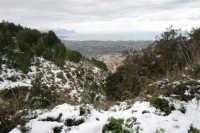 neve sul monte Bonifato - vista sul golfo di Castellammare - 15 febbraio 2009   - Alcamo (2210 clic)
