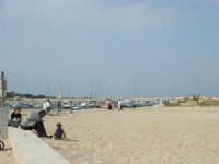 la spiaggia, il porto, il faro  - 25 aprile 2006   - San vito lo capo (1338 clic)