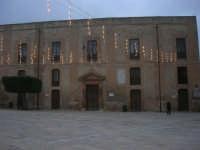 visita al centro storico - Piazza Carlo d'Aragona e Tagliavia, Palazzo di Città - 9 dicembre 2007  - Castelvetrano (1255 clic)
