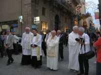 Processione in onore di Maria Santissima dei Miracoli, patrona di Alcamo - Corso VI Aprile - 21 giugno 2009   - Alcamo (2120 clic)