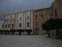 visita al centro storico - Piazza Carlo d'Aragona e Tagliavia: atmosfera natalizia - 9 dicembre 2007  - Castelvetrano (908 clic)