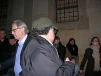 Epifania a Salemi - Il Sindaco Sgarbi, nell'atrio del Museo di Arte Sacra, dopo il collegamento TV con La vita in diretta - 6 gennaio 2009   - Salemi (3086 clic)
