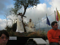 Processione della Via Crucis con gruppi statuari viventi - 5 aprile 2009   - Buseto palizzolo (1524 clic)