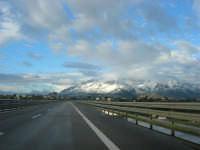 Autostrada A29 Palermo-Mazara - monti di Castellammare innevati - 14 febbraio 2009  - Alcamo (2068 clic)