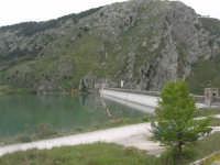 la diga del lago artificiale - 17 aprile 2006  - Piana degli albanesi (3928 clic)