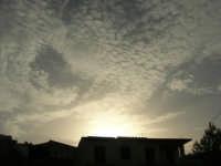 al Santuario della Madonna dei Miracoli . . . guardando il cielo - 6 settembre 2008   - Alcamo (623 clic)