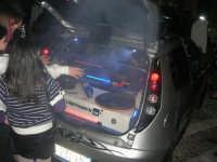 Piazzetta Vespri - raduno di auto . . . particolari - 3 maggio 2009   - Alcamo (3830 clic)
