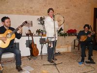 Concerto NAPOLINCANTO - Domenico De Luca (chitarra solista e percussione), Gianni Aversano (voce e chitarra), Ferdinando Piscopo (mandolino) - 10 dicembre 2009   - Alcamo (1785 clic)