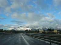 Autostrada A29 Palermo-Mazara - monti di Castellammare innevati - 14 febbraio 2009  - Alcamo (2243 clic)