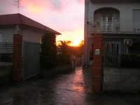 tramonto, il cielo si incendia - 18 gennaio 2008  - Alcamo (721 clic)