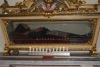 All'interno della Chiesa di S. Maria del Gesù: il Beato Arcangelo - 17 maggio 2008  - Alcamo (1045 clic)