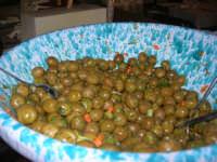 olive cunzati (condite)- C.da Digerbato - Tenuta Volpara - 21 dicembre 2008   - Marsala (1761 clic)