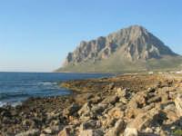 Golfo di Bonagia: la costa e monte Cofano - 27 aprile 2008   - Cornino (876 clic)