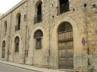 vecchio edificio in abbandono - 17 aprile 2006  - Piana degli albanesi (1655 clic)