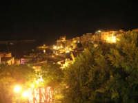 I edizione Per le antiche scale - All'interno della villa comunale, con vista sul porto - 16 settembre 2007    - Castellammare del golfo (1001 clic)