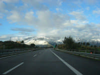 Autostrada A29 Palermo-Mazara - monti di Castellammare innevati - 14 febbraio 2009  - Alcamo (1837 clic)