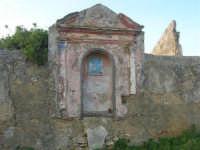 antico baglio - cappella votiva dedicata alla Madonna - 3 marzo 2009  - Alcamo (2624 clic)