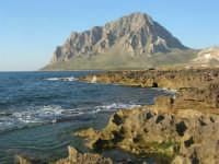 Golfo di Bonagia: la costa e monte Cofano - 27 aprile 2008   - Cornino (753 clic)
